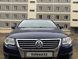 Volkswagen Passat 2006 года за 2 900 000 тг. в Жезказган – фото 2