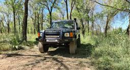 Land Rover Discovery 2001 года за 4 000 000 тг. в Алматы