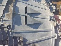 Защита двигателя на Audi с4, подкрыльники передние за 100 тг. в Алматы