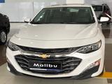 Chevrolet Malibu 2020 года за 9 990 000 тг. в Караганда – фото 2