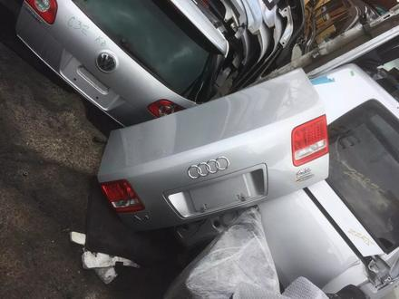 Крышка багажника на Audi a8 d3, оригинал из Японии за 30 000 тг. в Алматы – фото 2