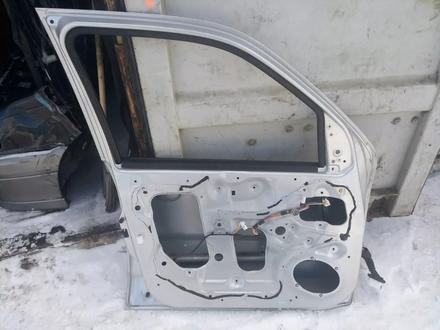 Передняя левая дверь на Mazda Tribute за 25 000 тг. в Нур-Султан (Астана) – фото 2