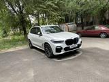 BMW X5 2019 года за 33 000 000 тг. в Алматы – фото 2