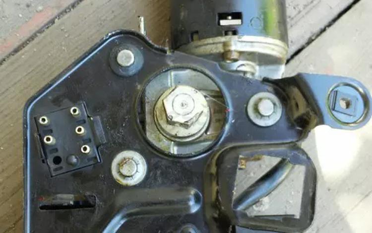 Моторчик люка за 555 тг. в Алматы