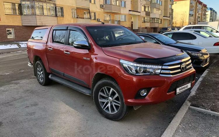 Toyota Hilux 2016 года за 12 900 000 тг. в Уральск