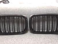 Решетки радиатора (ноздри) x6 f16 черные за 70 000 тг. в Алматы