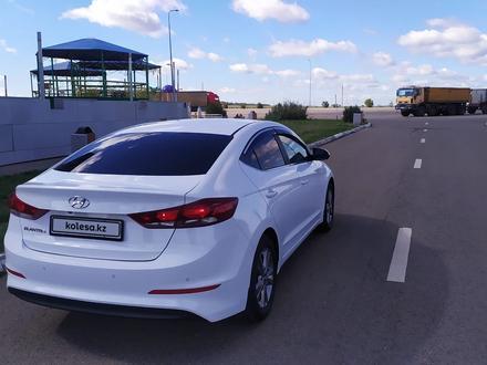 Hyundai Elantra 2018 года за 6 850 000 тг. в Кокшетау – фото 11