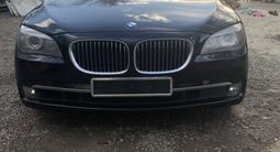 BMW 750 2009 года за 6 200 000 тг. в Уральск – фото 4