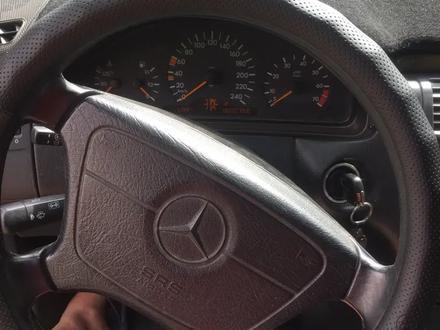 Mercedes-Benz E 240 1998 года за 2 600 000 тг. в Шымкент – фото 8