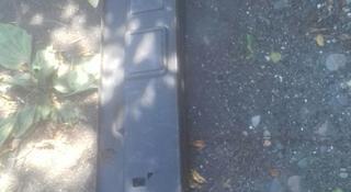 Мерс.124 Бабочка багажника за 10 000 тг. в Алматы