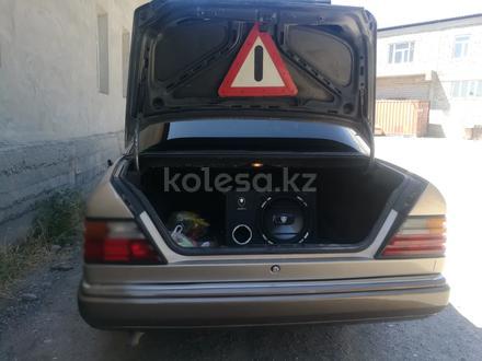 Mercedes-Benz E 230 1989 года за 1 500 000 тг. в Туркестан – фото 7