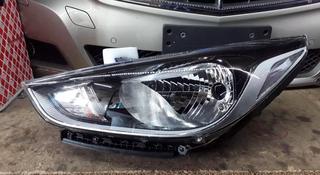 Передняя левая фара Hyundai Accent 2 за 88 888 тг. в Караганда