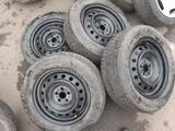 Диски и шины шиповный 215/60/16 за 95 000 тг. в Алматы – фото 3