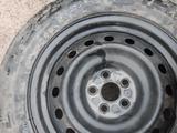 Диски и шины шиповный 215/60/16 за 95 000 тг. в Алматы – фото 4