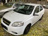 Chevrolet Aveo 2012 года за 2 950 000 тг. в Семей – фото 2
