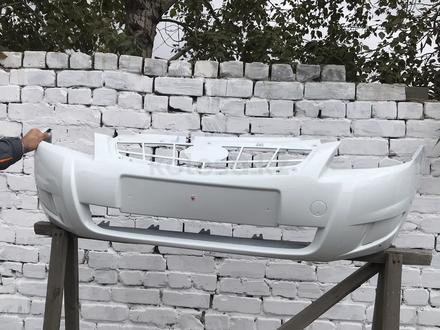 Бампер передний в цвет Lada Prora 2 за 16 000 тг. в Павлодар