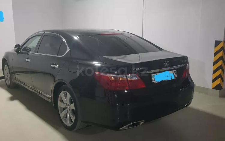 Lexus LS 600h 2011 года за 12 600 000 тг. в Алматы