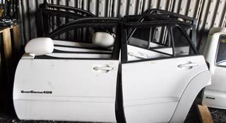Дверь передняя на Toyota 4Runner 215 за 101 тг. в Алматы
