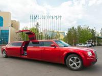 Chraysler300c Красный и Белый с 5-ой дверю в Павлодар