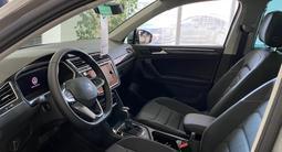 Volkswagen Tiguan Exclusive 2.0 2021 года за 15 746 000 тг. в Нур-Султан (Астана) – фото 2
