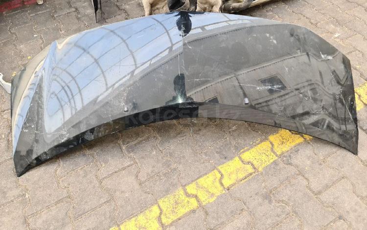 Капот для Toyota Alphard за 38 337 тг. в Алматы