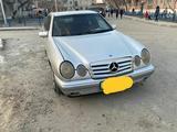 Mercedes-Benz E 200 1995 года за 1 900 000 тг. в Усть-Каменогорск – фото 3