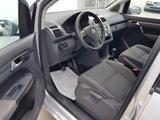 Volkswagen Touran 2009 года за 3 600 000 тг. в Актау – фото 3