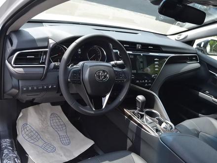 Toyota Camry 2018 года за 17 850 000 тг. в Алматы – фото 14