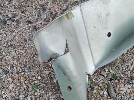 Крыло переднее правое оригинал на MAZDA TRIBUT за 20 000 тг. в Нур-Султан (Астана) – фото 4