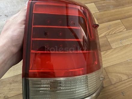 Задние фонари тойота 200 за 50 000 тг. в Алматы – фото 3