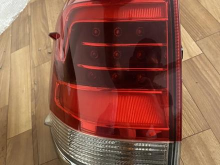 Задние фонари тойота 200 за 50 000 тг. в Алматы – фото 5