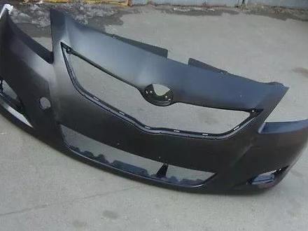 Передний бампер. Toyota Yaris (07-11) за 777 тг. в Алматы
