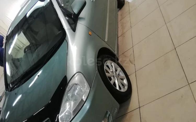 Toyota Ipsum 2002 года за 2 200 000 тг. в Жанаозен