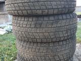 Зимние шины Dunlop Maxx SJ8 почти новые за 160 000 тг. в Алматы