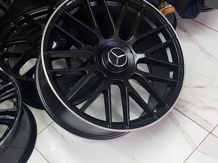 Mercedes Benz 211, 212, 213 за 170 000 тг. в Алматы