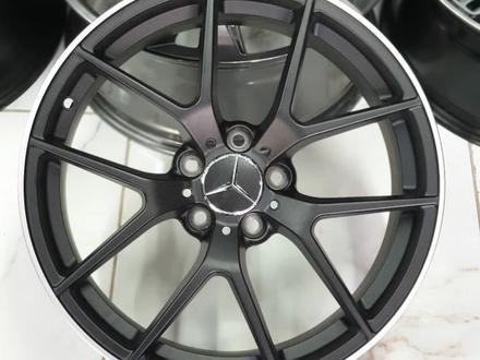 Mercedes Benz 211, 212, 213 за 170 000 тг. в Алматы – фото 4