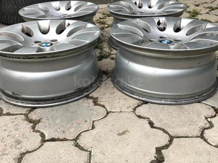 18 диски на BMW за 120 000 тг. в Алматы – фото 2