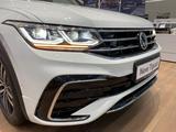 Volkswagen Tiguan R-Line 2021 года за 17 778 000 тг. в Тараз – фото 5