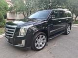 Cadillac Escalade 2018 года за 33 000 000 тг. в Алматы