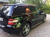 Mercedes-Benz ML 63 AMG 2009 года за 15 500 000 тг. в Караганда – фото 3