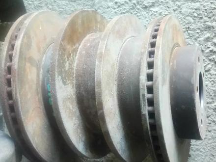 Цапфа поворотный кулак рычаг стабилизатор супорт тормозной диск рычаг за 20 000 тг. в Алматы – фото 4