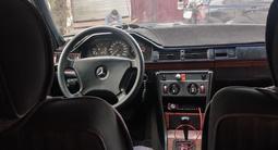 Mercedes-Benz E 260 1992 года за 1 000 000 тг. в Жезказган – фото 2