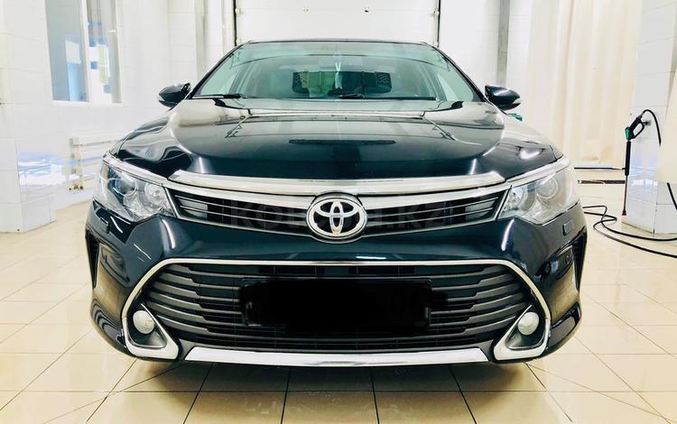 Toyota Camry 2016 года за 10 700 000 тг. в Атырау