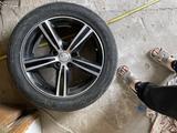 Диски м шинами камри 55-50 за 100 000 тг. в Актобе – фото 3