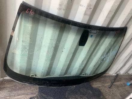 Лобовое стекло bmw x5 e70 оригинал за 55 000 тг. в Алматы