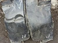 Подкрылок передний подкрыльник локер опель тигра за 5 000 тг. в Караганда