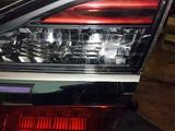 Задний правый фонарь на Камри 55 с дефектом за 20 000 тг. в Караганда – фото 2
