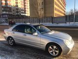 Mercedes-Benz C 180 2002 года за 3 000 000 тг. в Нур-Султан (Астана) – фото 2