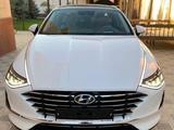Hyundai Sonata 2020 года за 14 000 000 тг. в Шымкент – фото 2