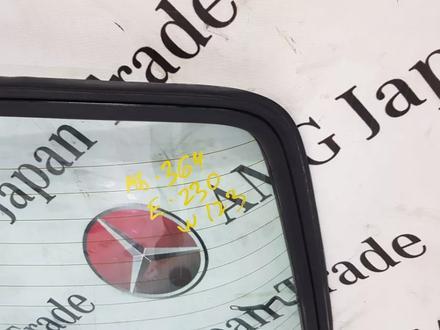 Задние стекло на Mercedes-Benz w123 E за 46 546 тг. в Владивосток – фото 6